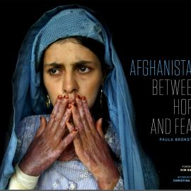 Paula Bronstein: Afghanistan: Between Hope and Fear