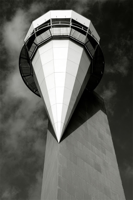 Photolucida: Carolyn Russo: The Art of the Airport Tower