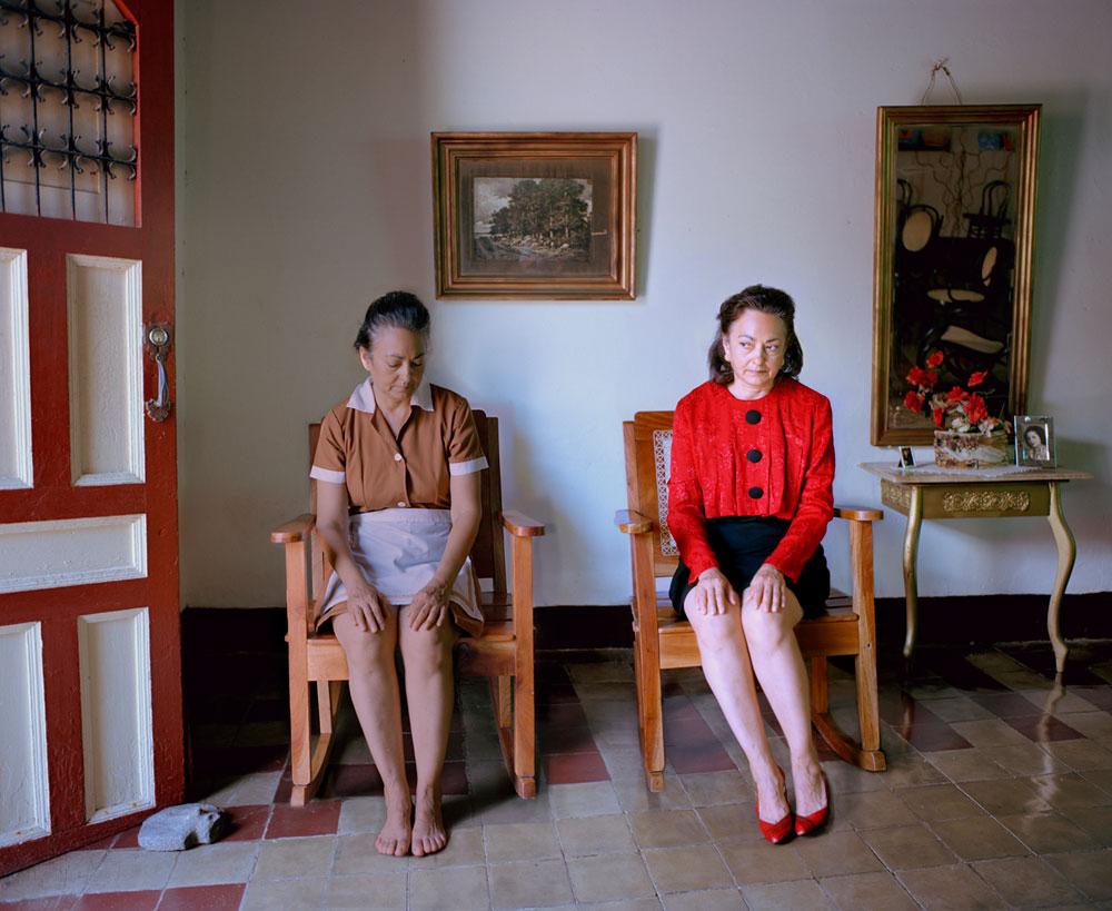 Rachelle mozman casa de mujeres and la negra y su peque a for Casa de chicas