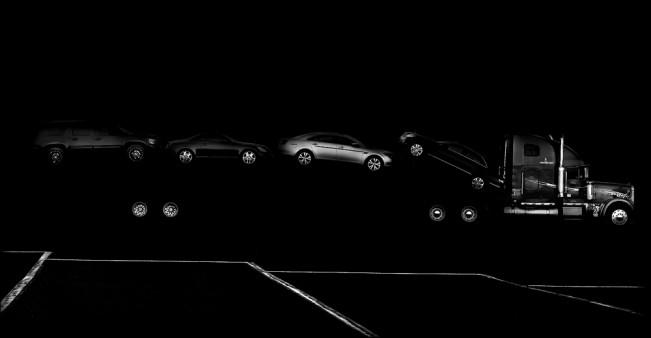 1--Seeing-The-black-dog-massaia-car-hauler-2013