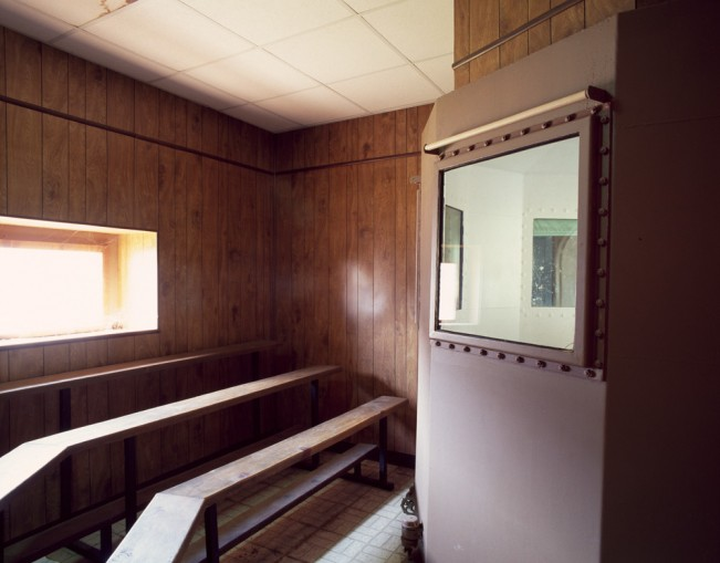 Saloutos_Lee_03-Gas Chamber Observation Room, Missouri State Penitentiary, #1