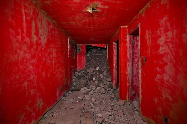 Demolition Site 01 Inside_Pigment print_115x155cm_2013