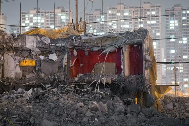 Demolition Site 16 Outside_Pigment print_120x160cm_2013 copy