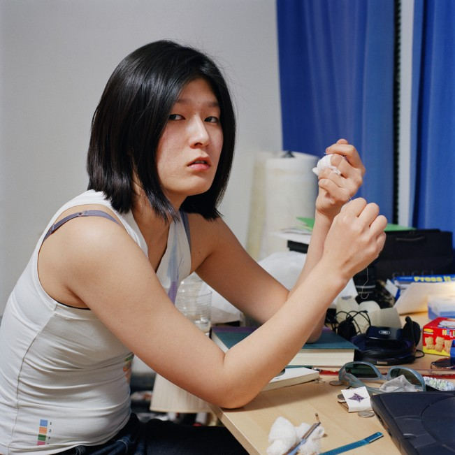 2. Hong with a bandaged hand, C-print, 100cmx100cm, 2003
