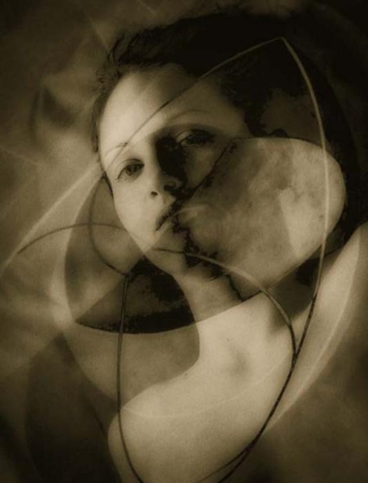 Geomety of Discord © Josephine Sacabo