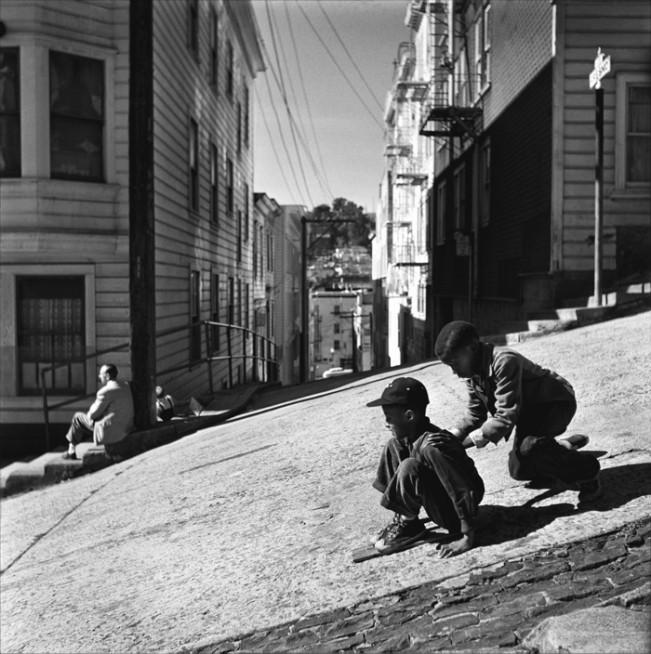 Steep hill, North Beach 1952 1002366