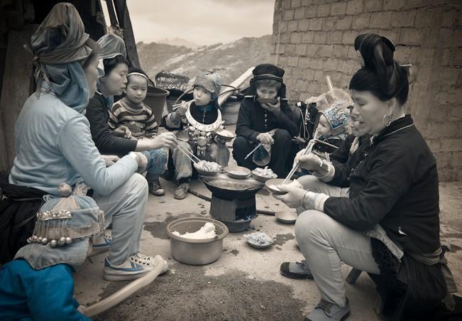 Gold_Terri_Eating_Guizhou