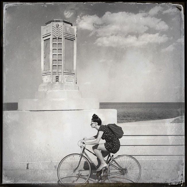 lakeshore_cyclist