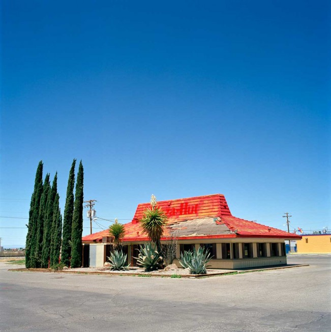 Pizza-Hut-abandoned_New-Mexico_Robert-H-Pittman
