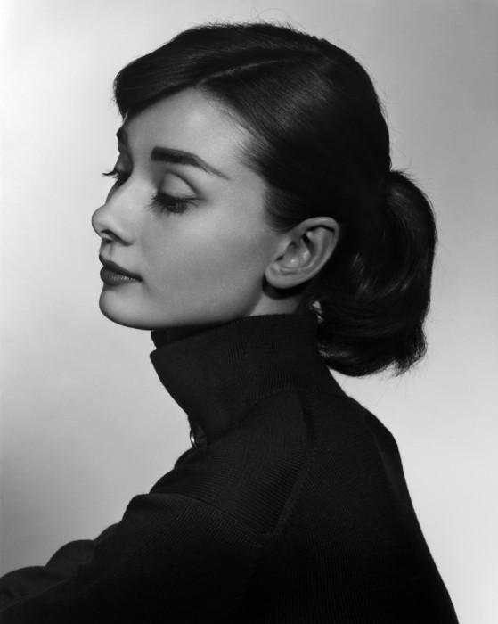 Karsh_AudreyHepburn_1956