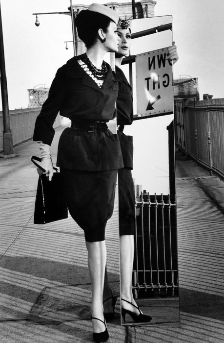 Klein_Mirrors,BrooklynBridge(Vogue)_NewYorkCity,NewYork_1962