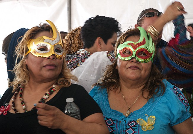 Guatemalan Sisters - Copyright Cindy Bendat 2010