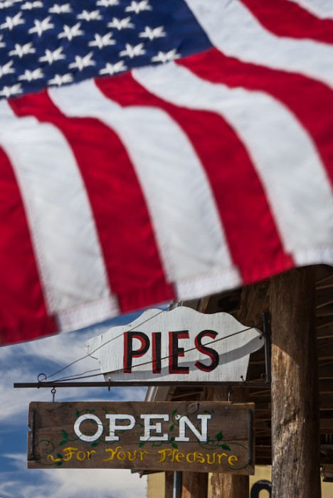 PT_Flag&Pies(Drooker)