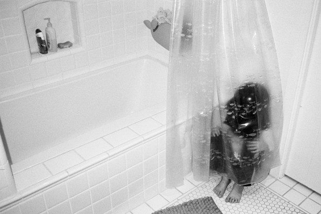 ashlystohl-charthvader-bathhiding