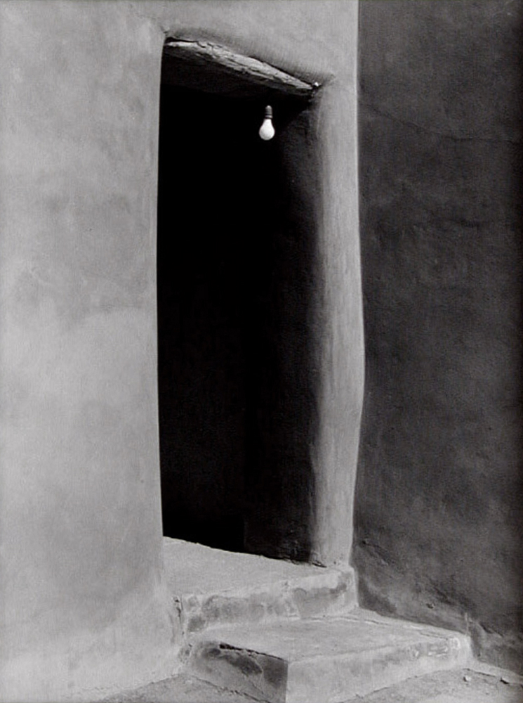 Webb - O'Keeffe's - Light Bulb in Doorway - 300di