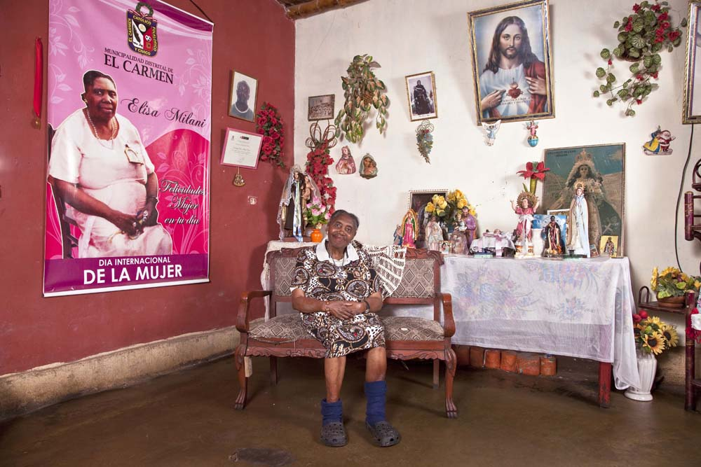 WOMEN OF EL CARMEN, CHINCHA, PERU