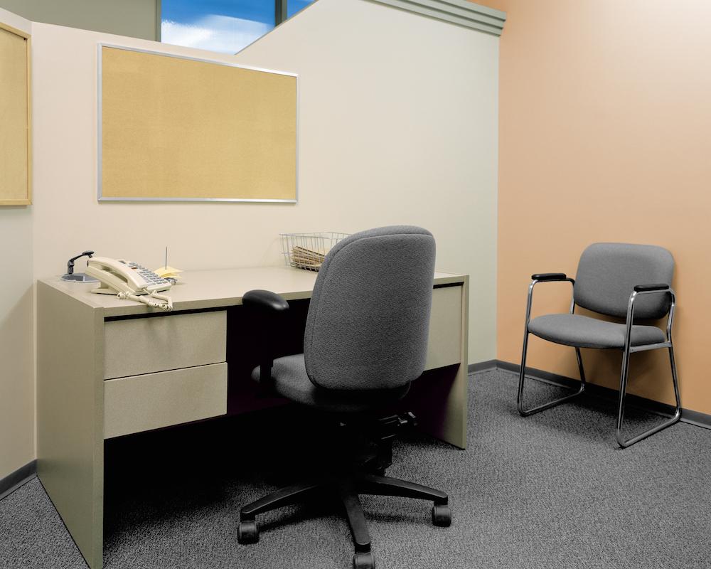 04_Empty_Office