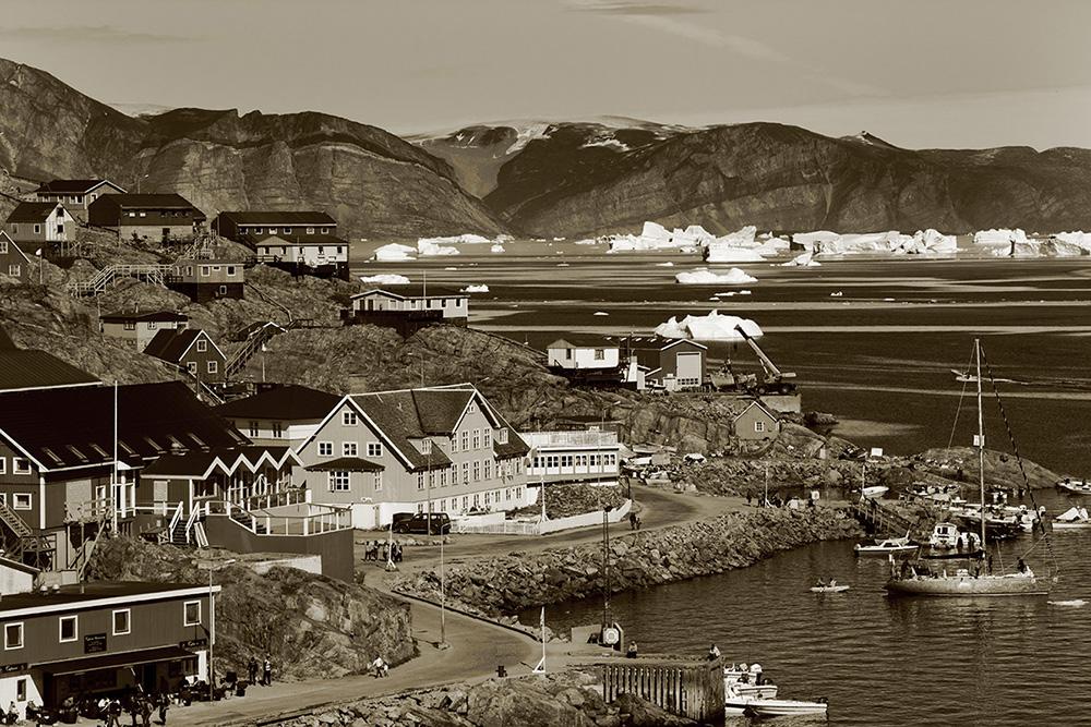 page 34-35, (17) Uummannaq, Greenland copy