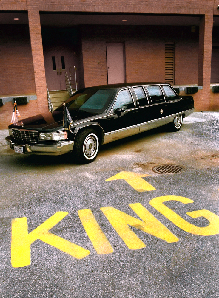 If I Were Your King, Presidential Limousine