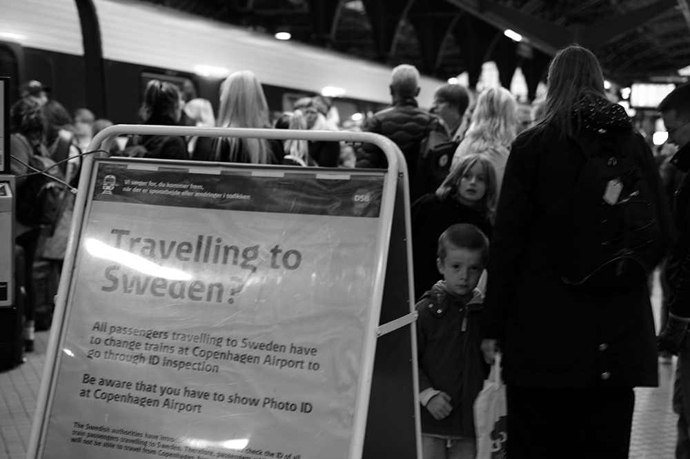 Travelling to Sweden? [...] Be aware that you have to show photo ID at Copenhagen Airport.