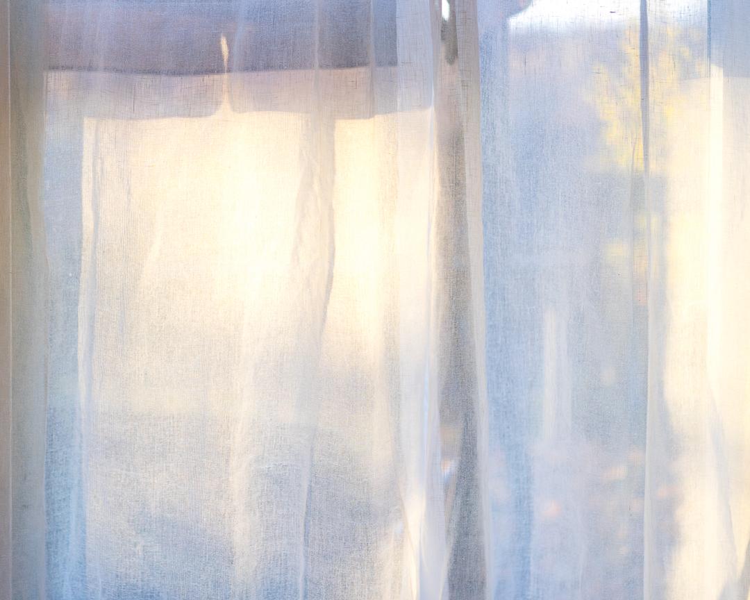 (4) Unitled (curtain)