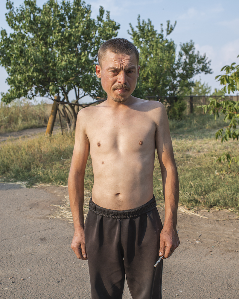 "Leonid, 26, Anatol. ""If the shelling comes here we can do nothing, it's heavy artillery you can't really hide."""