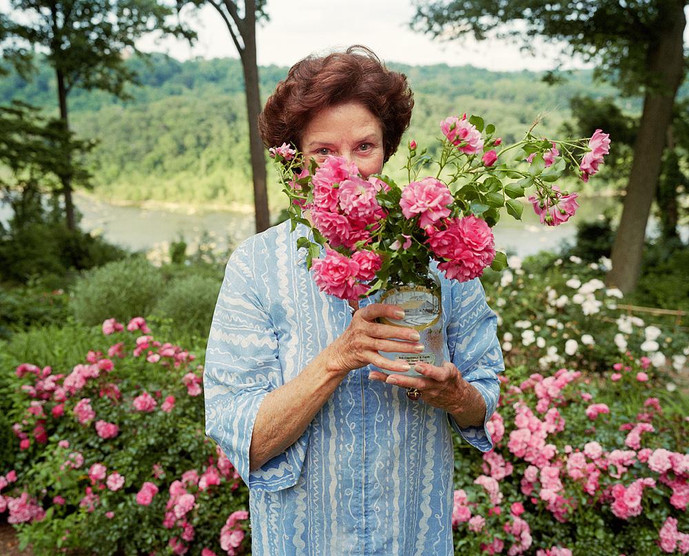 09125_9/10 mum w/ marie's roses 001