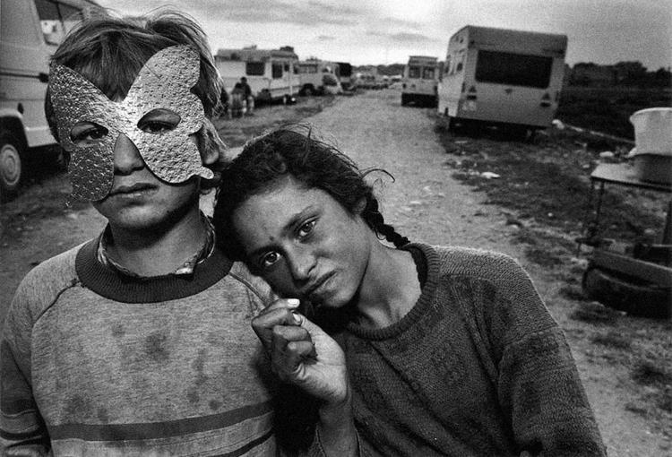 04_1987-Mark_Mary Ellen-Gypsy Children