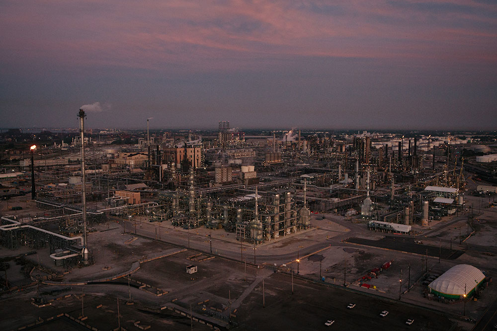 BP expanded its refinery to the northern boundary of Marktown, a 100-year-old workers village in East Chicago, in 2013. Well within a disaster blast zone, the neighborhood is a liability for BP. The firm has offered between $4,545 and $30,000 for the properties, which is not enough to buy an equivalent home, especially on a fixed income. Residents say they have felt more vulnerable with each of the nearly 20 buildings demolished in the past year. Many homeowners, including some whose families have lived in the neighborhood for four or five generations, are rallying to save Marktown, though the steel and oil industriesí pollution continues to plague their health. Tar sands oil production is a particularly dirty process, and after the plant expansion, the refinery is more than tripling its output of petcoke to 2.2 million tons a year. And though the steel industry employs fewer people now than fifty years ago, its productivity has increased. East Chicago air tests among the stateís highest in levels of cadmium, lead and other airborne toxins. |||| American industry disproportionately affects the health of minority and low-income communities, and East Chicago, Ind. ó known as the countryís ìmost industrialized municipalityî during the Industrial Revolution ó offers a view of environmental injustices emerging throughout the Rust Belt.