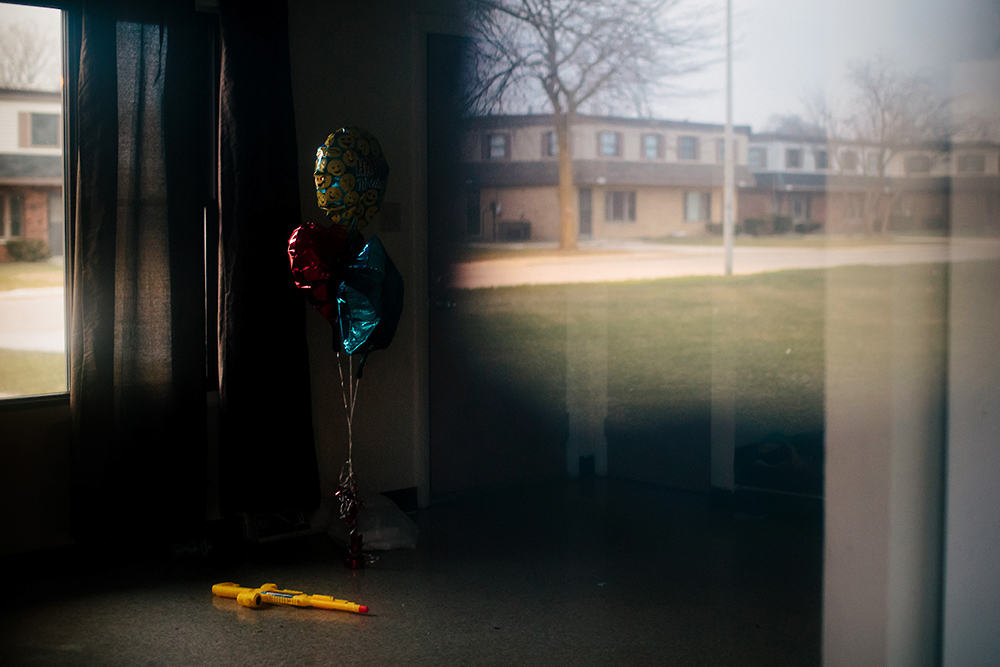 Balloons and toys remain in an abandoned West Calumet Housing Complex home. In July 2016, nearly 1,200 people in the West Calumet neighborhood learned that children had blood-lead levels six times the Center for Disease Controlís recommendation for intervention. As mandated, residents began to move, but some remain as they struggle to find housing in the city of 29,000. |||| American industry disproportionately affects the health of minority and low-income communities, and East Chicago, Ind. ó known as the countryís ìmost industrialized municipalityî during the Industrial Revolution ó offers a view of environmental injustices emerging throughout the Rust Belt.