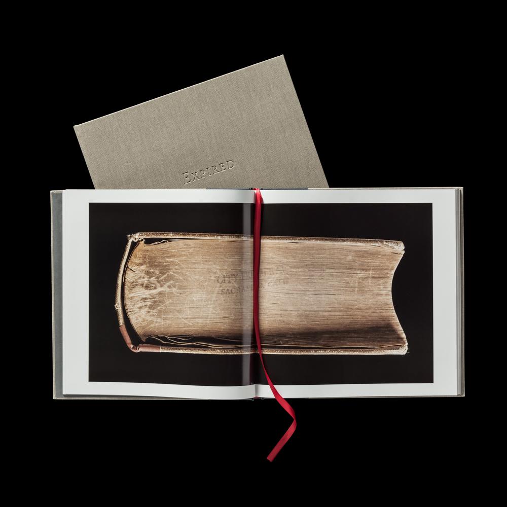 170506_ExpiredBook_0069_v2_1x1