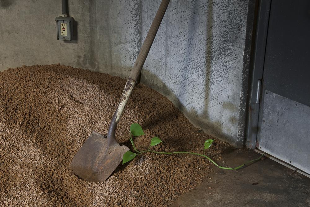 Shovel, Biosphere 2