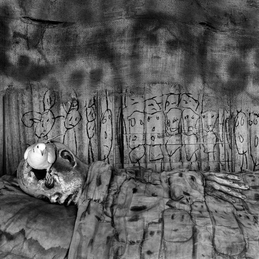 roger_ballen_deathbed_2010-web