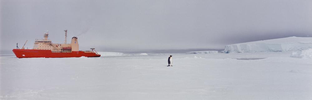 9-Amundsen Sea, Antarctica, 2000