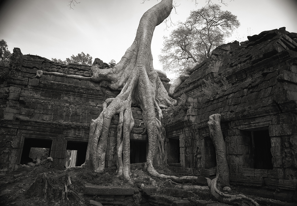 N. 1993 CAM 26 Cambodia temple