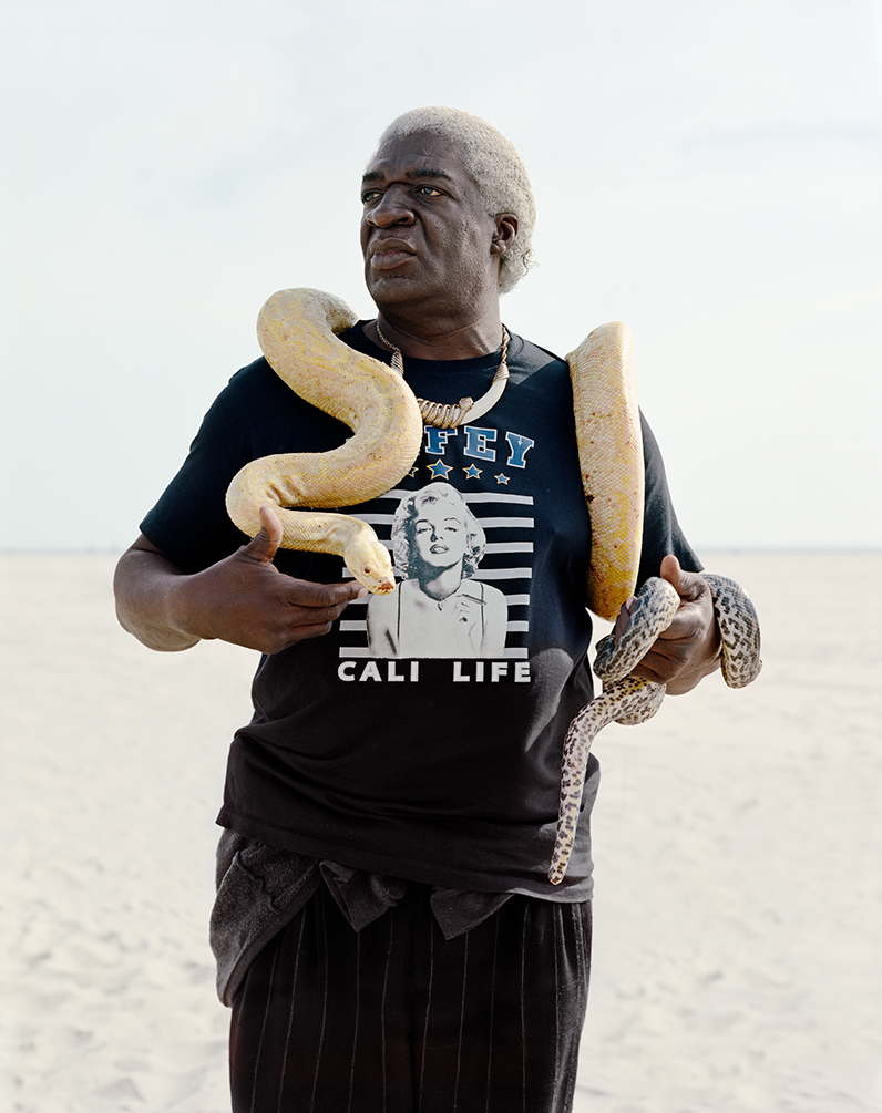 tracylchandler_edge_dwellers_0677_big_black_snake_man_1000px