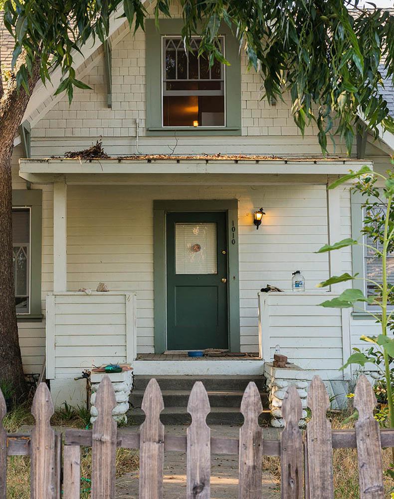 g_Porch Light Walsh Residence
