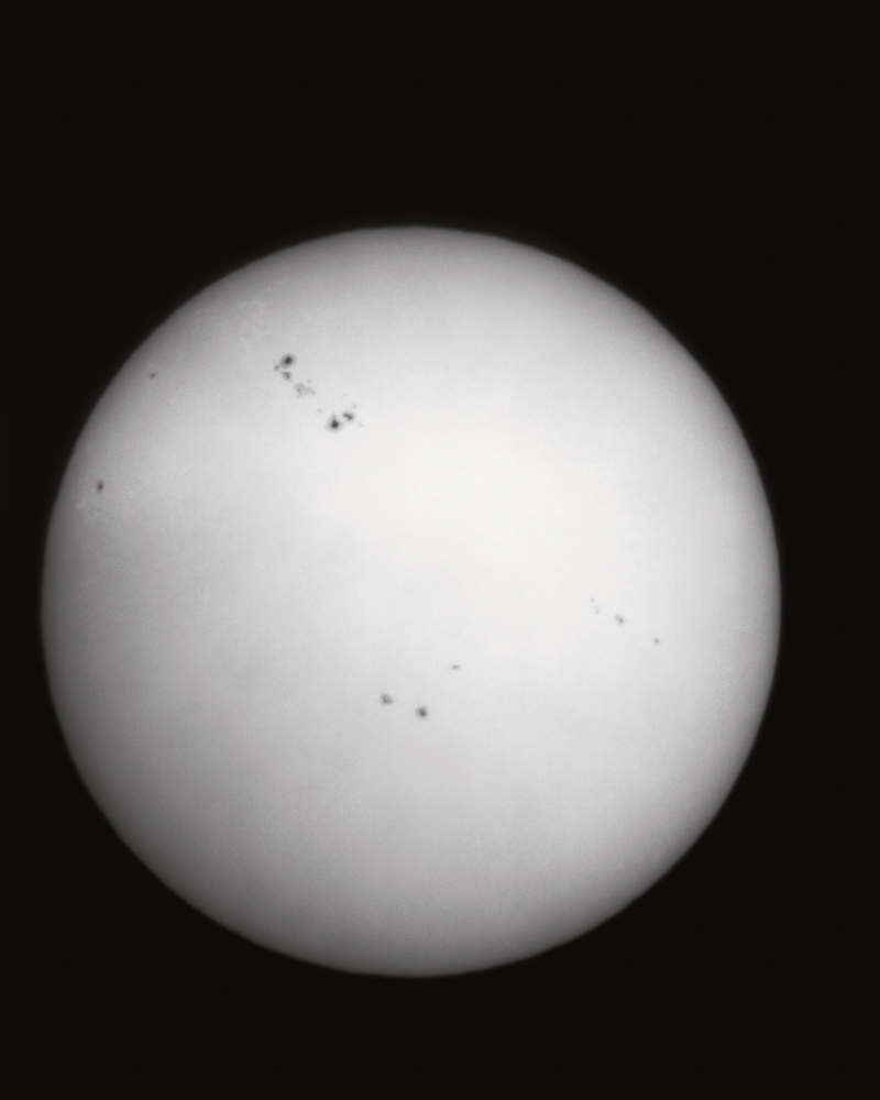01-108 Sunspots, 4.22.2001, Radius Print