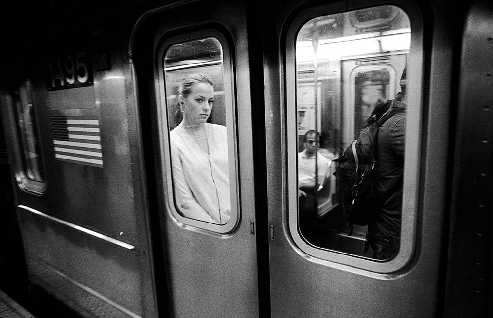 SubwayWoman-1000px