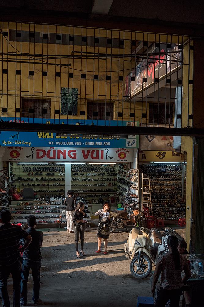 Women shopping, Hanoi, Vietnam