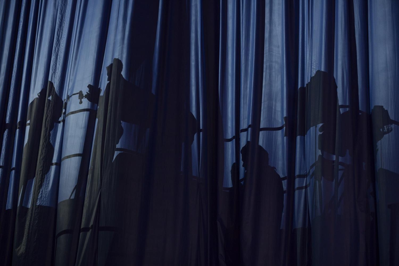 3_Curtain