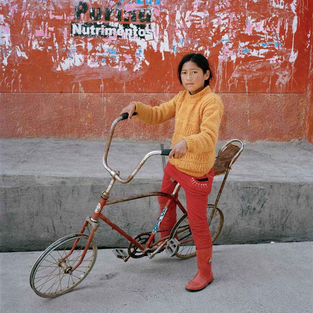 ELEONORA RONCONI - 3Orue_Niña con bicicleta