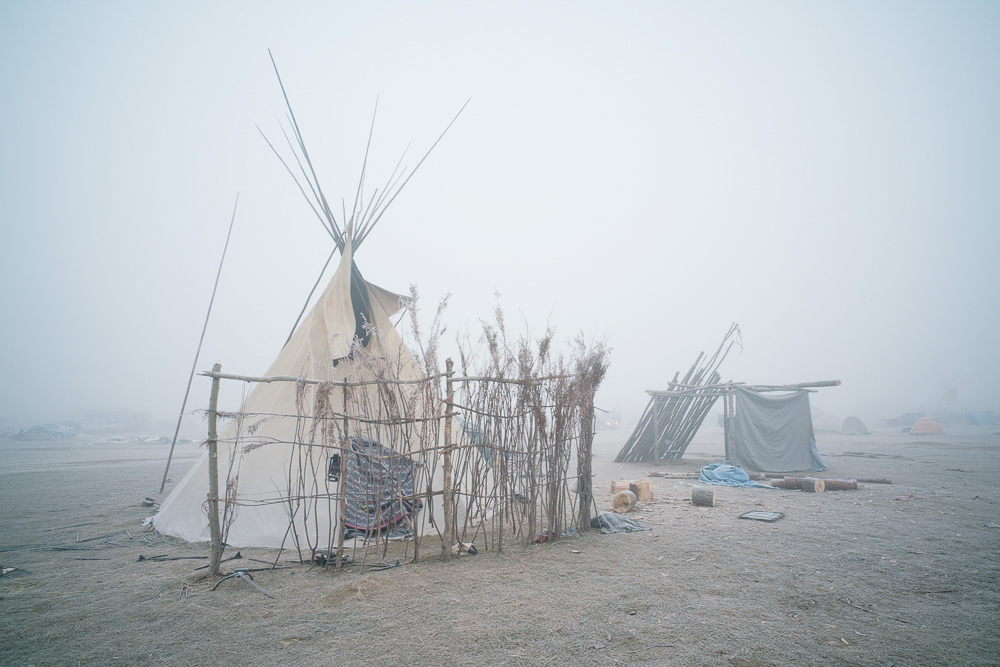Willis_5_November Morning Mist in Oceti Sakowin Camp_2016