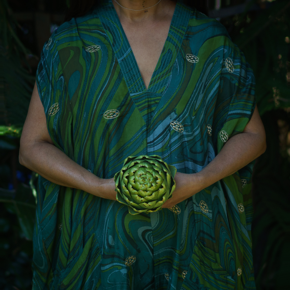 Artichoke for steaming with aromatics