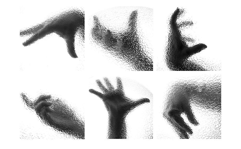 hands Emily Anidjar