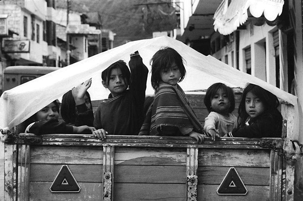 Girls in Truck Ecuador