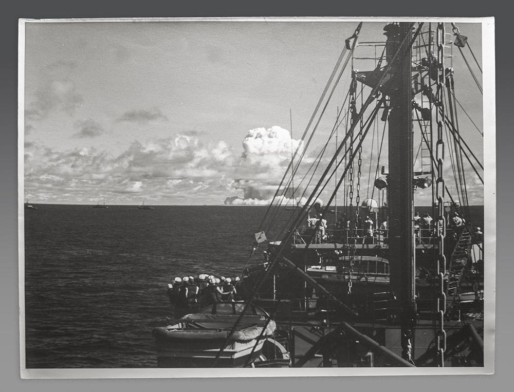a_USS_Avery_Island_and_Detonation_of_Baker