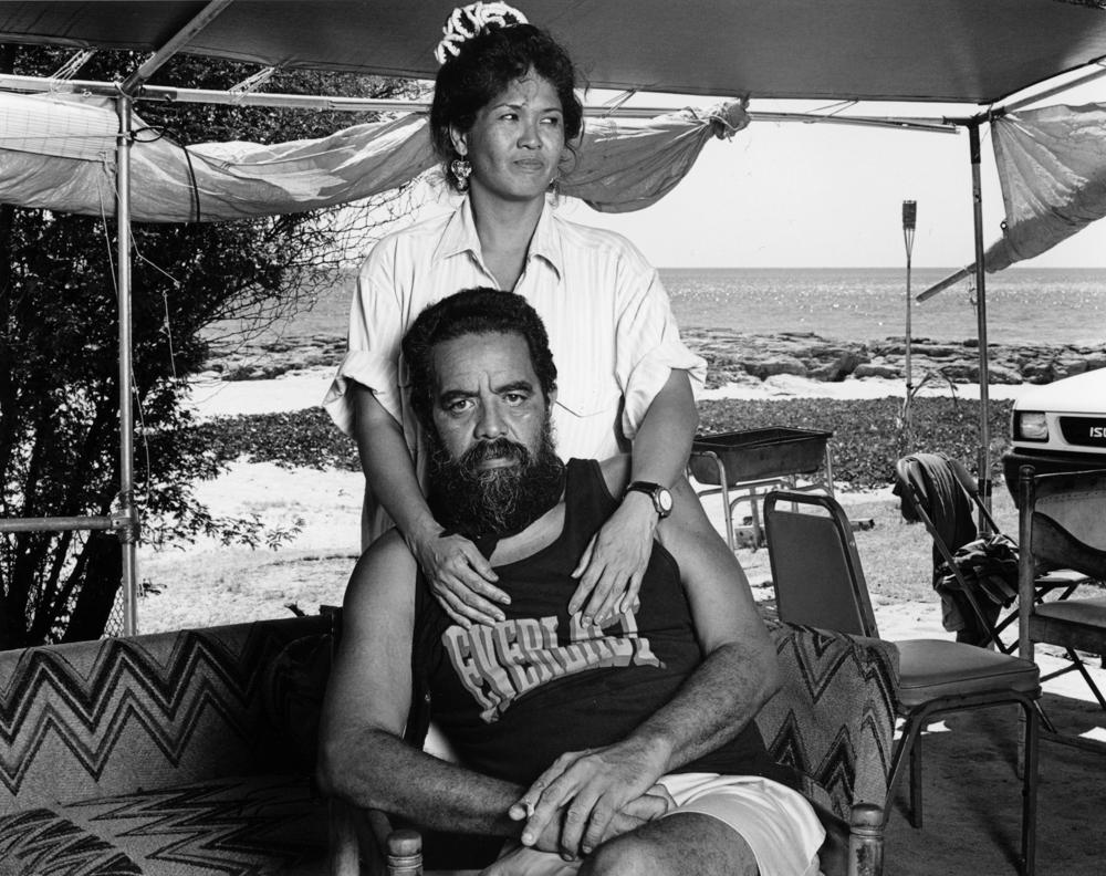 Greevy_Mākua_couple_Oʻahu_1996_04