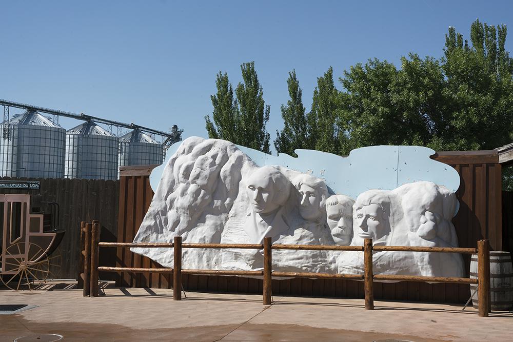 Knedler_Plastic Mount Rushmore