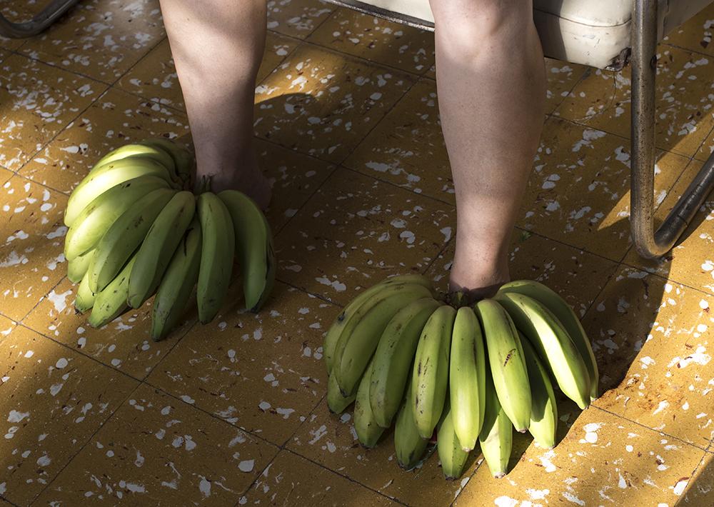 Velasquez_C_Banana feet72-0468